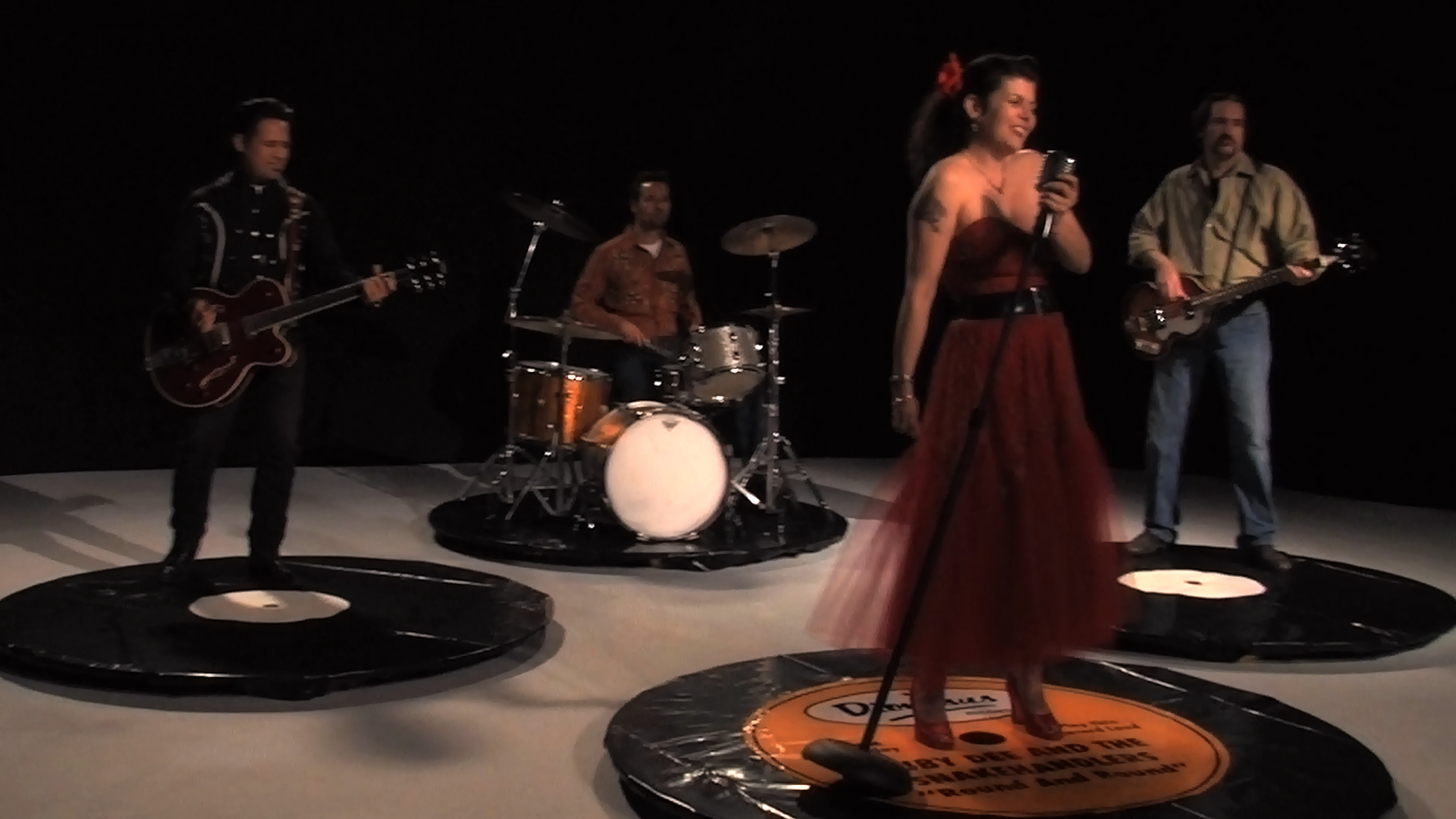 ROUND & ROUND :: Ruby Dee & The Snakehandlers